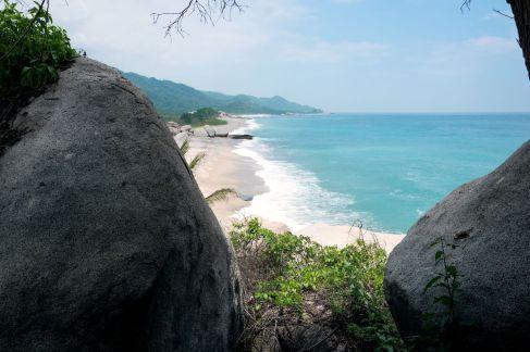 Après la jungle, la plage apparait!