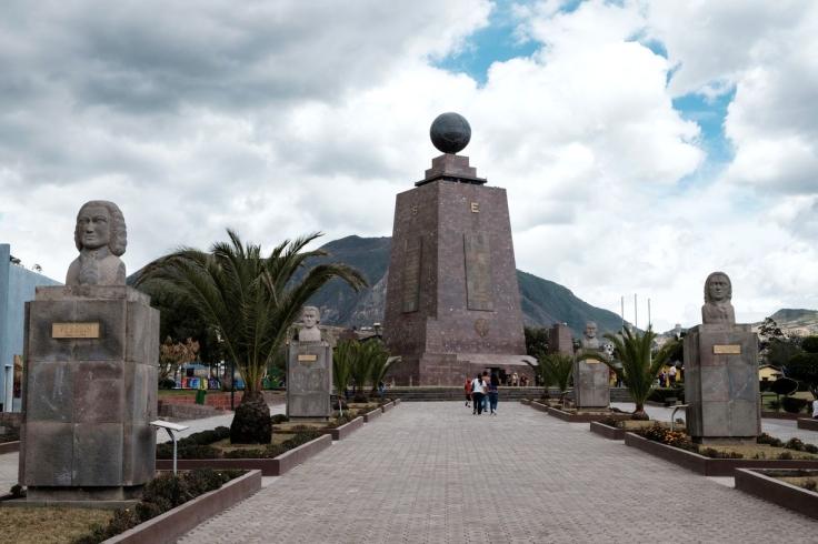 Monument Mitad Del Mundo