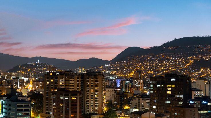 Vue sur Quito et le Panecillo au loin