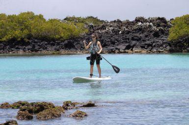 Le paddle, facile pour Jennifer!