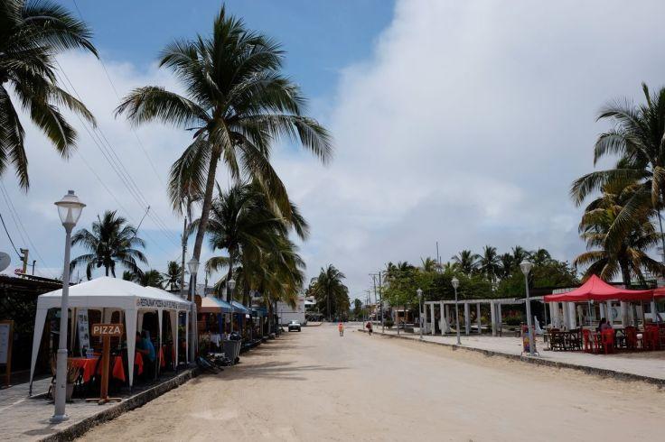 Grande rue de Puerto Villamil