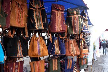 Sacs à dos au marché artisanal
