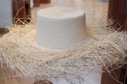 Tissage d'un chapeau Panama