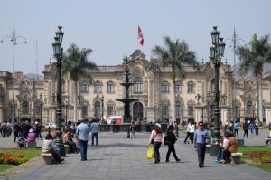 La plaza mayor à Lima