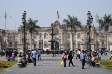 La plaza mayor à Lima