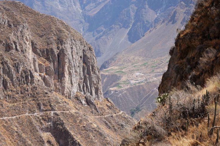 Direction le fooooond du canyon ! Colca, Llahuar, Pérou